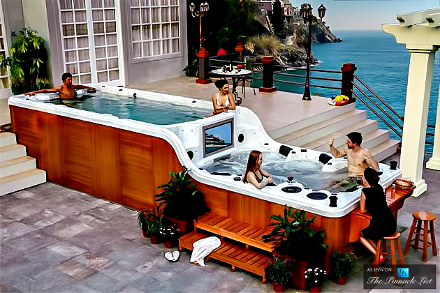 003-luxury-pools-and-hot-tubs-that-inspire-celebrities-bring-a-touch-of-extravagance-to-homeowners-630